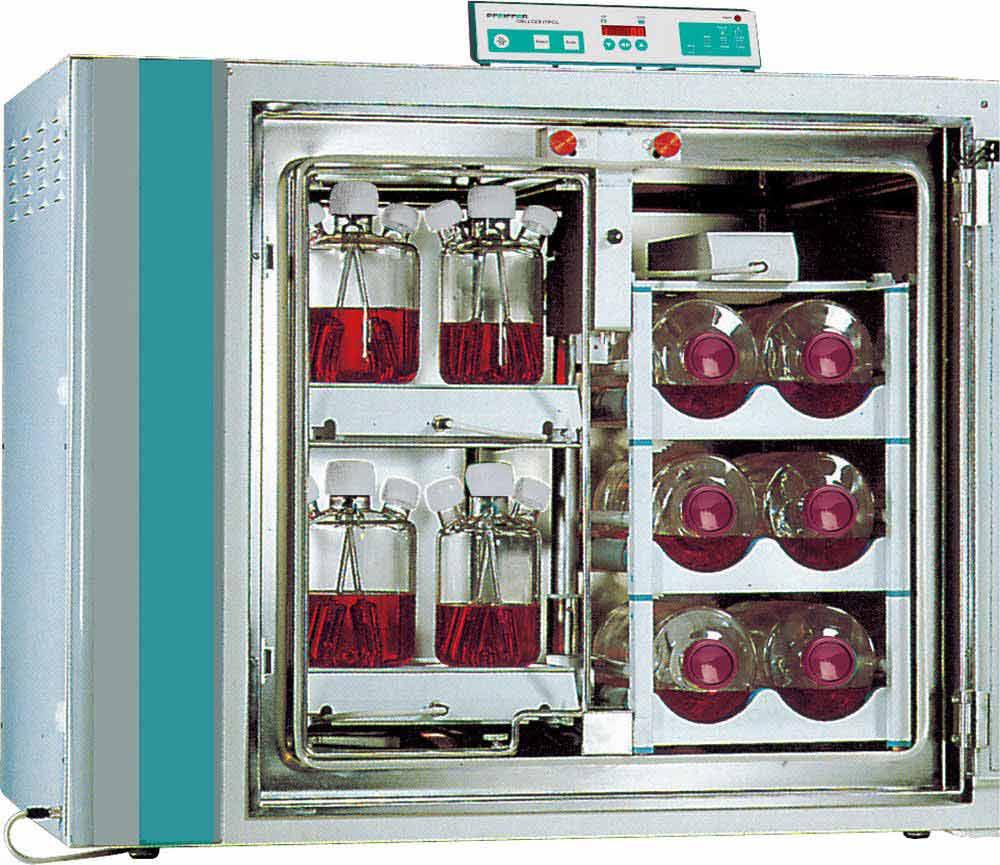CELLROLL- / CELLSPIN-Einheiten in einem Inkubator für Zellkultivierung